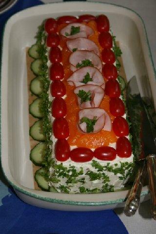 voileipäkakku kala koristelu